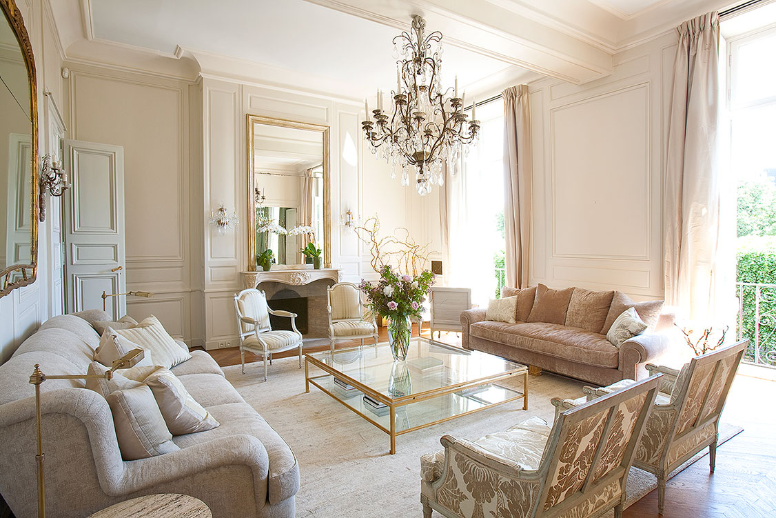 ROYAL. Spectacular Marais Apartment ...